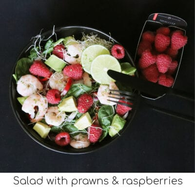 Salad with prawns & raspberries